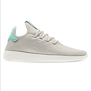 NWT Pharrell Williams Wmns Tennis Hu 'Talc' Sz 10